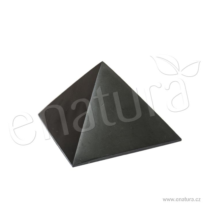 Šungit pyramida leštěná 5×5cm